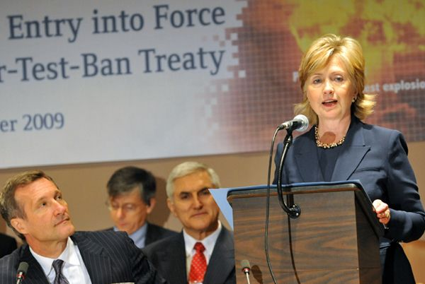 Clinton at the conference on the CTBT.